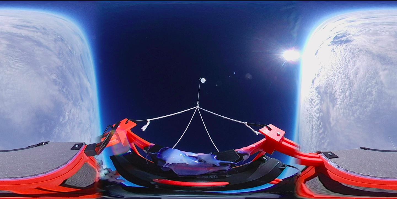 Stratosférický balón pohledem z 360°kamery